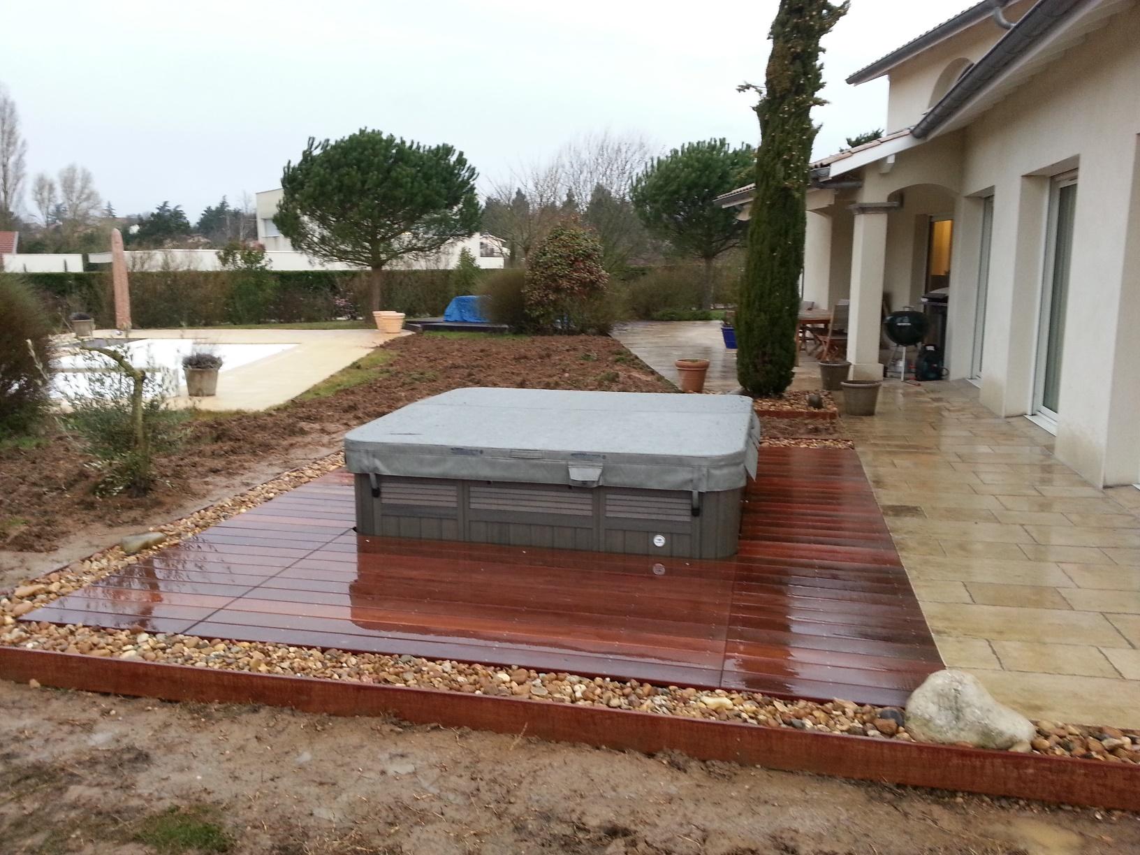 Jour de jardin paysagiste lyon piscines et spa for Piscine spa lyon